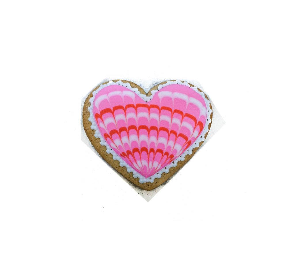 Сердце розовое расписное